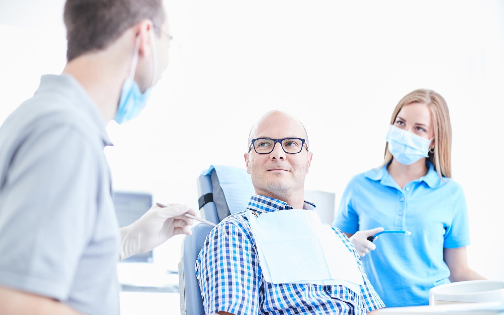 Zahnarzt Dr. Christian Richter - Die Wohlfühlpraxis im Herzen von Brackenheim 1
